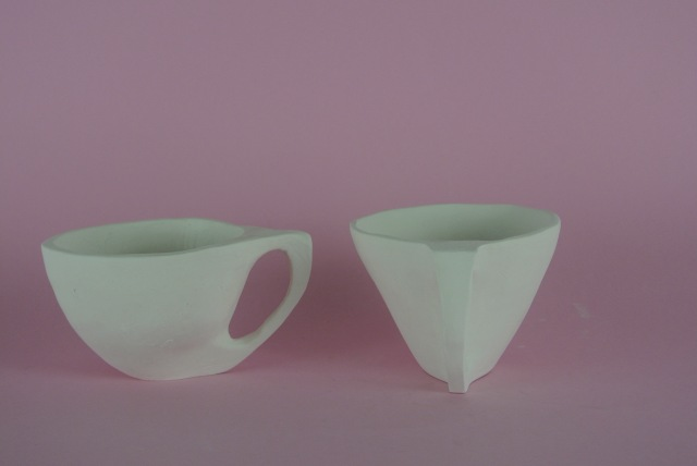 two porcelain tea cups frontal
